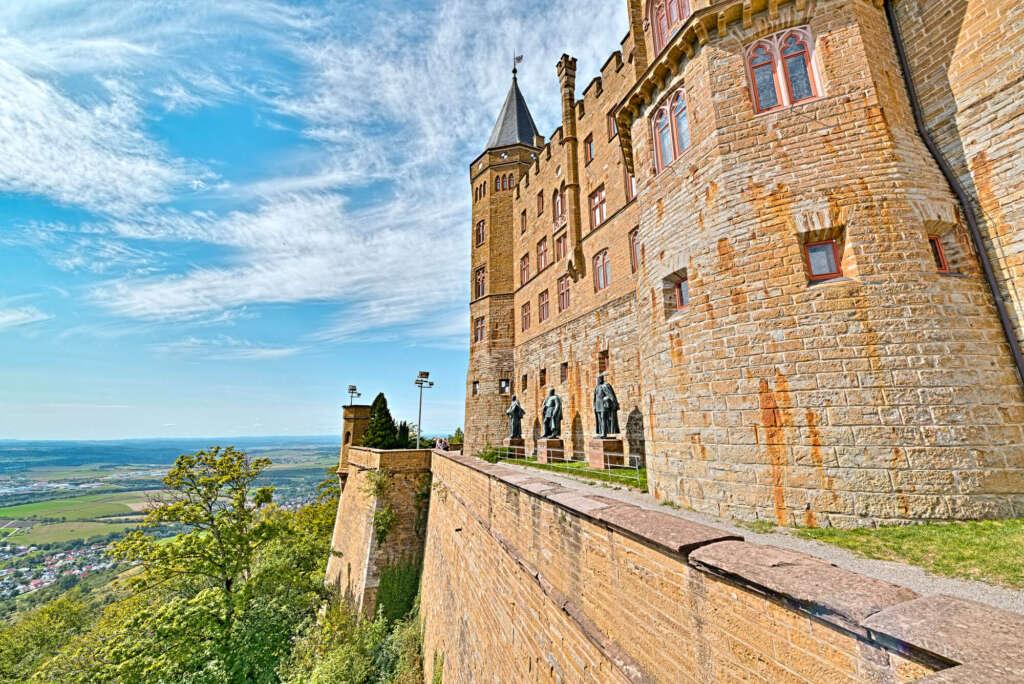 Vista del Castillo Hohenzollern desde el exterior (Bisingen, Alemania) - Fuente: Schwarzwaldplus