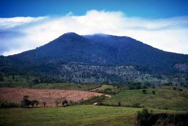 Parque Nacional Volcán Tenorio y Río Celeste