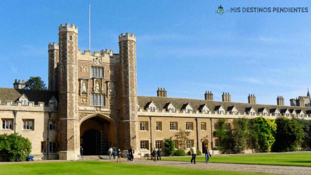 Great Court del Trinity College (Cambridge, Inglaterra)