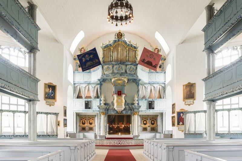 Interior de la Iglesia de Røros. Fuente: CH – Visitnorway.com