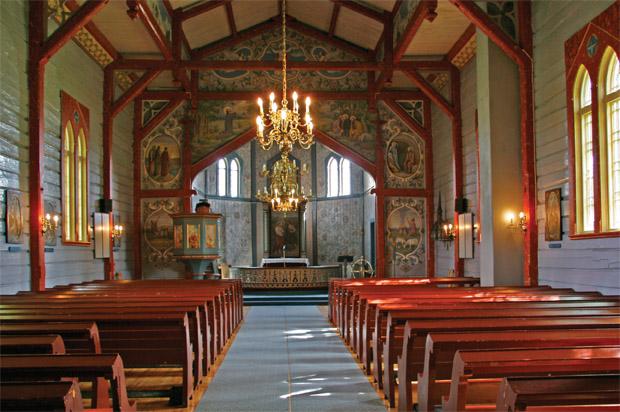 Interior de la Iglesia de Vingelen. Fuente: vingelen.com