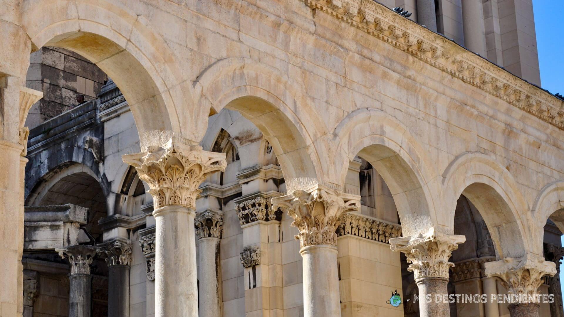 Columnas del Peristilo (Split, Croacia)