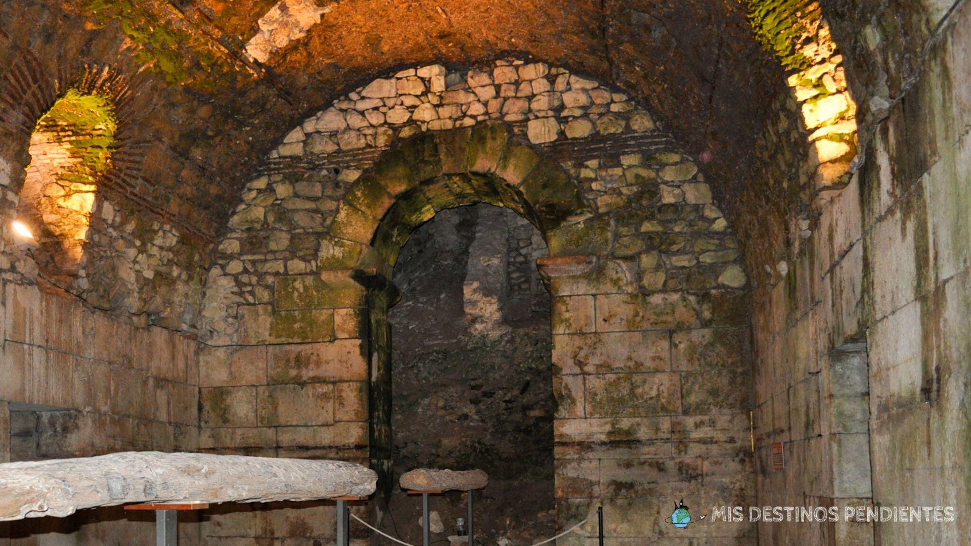 Sótanos del Palacio de Diocleciano (Split, Croacia)