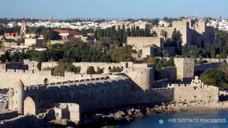 Rodas: Qué visitar en la ciudad del Coloso