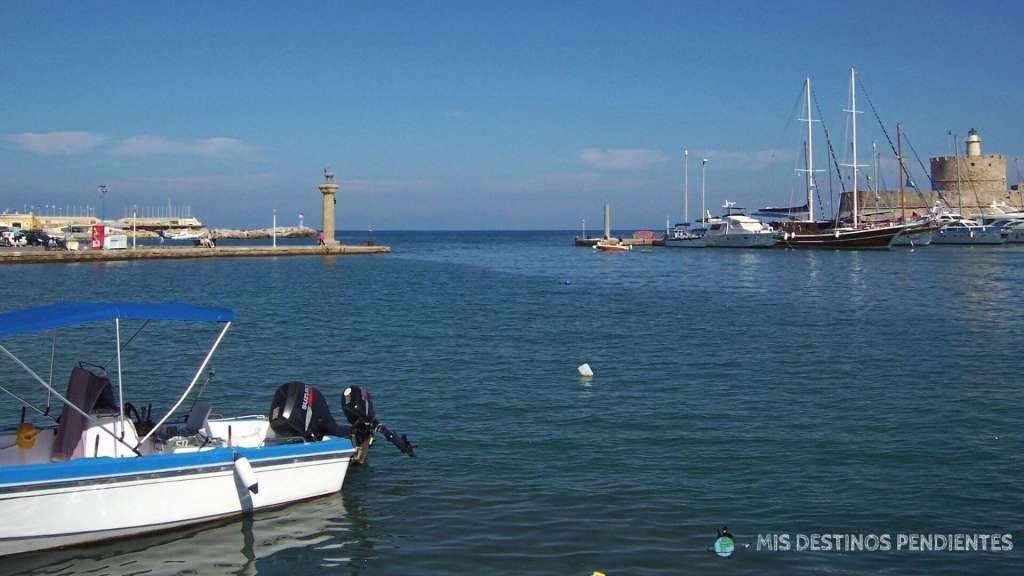 Vista del puerto de Rodas (Grecia)