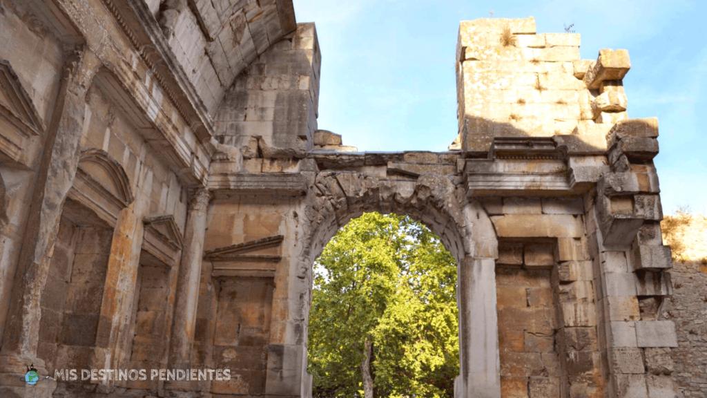 Templo de Diana (Nimes, Francia)
