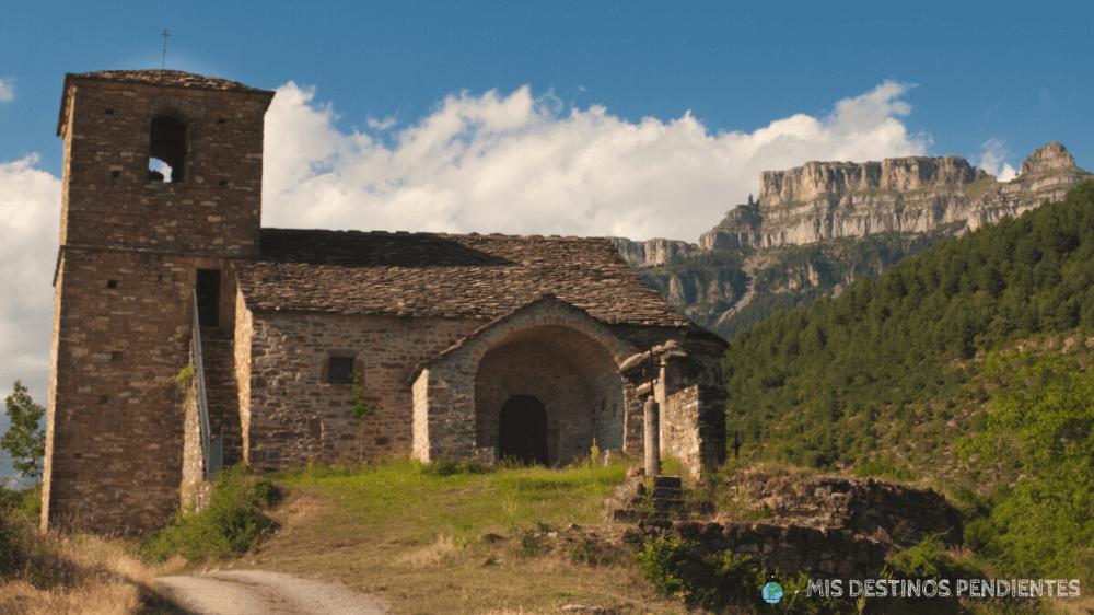 Iglesia de San Vicente (Vió, España)
