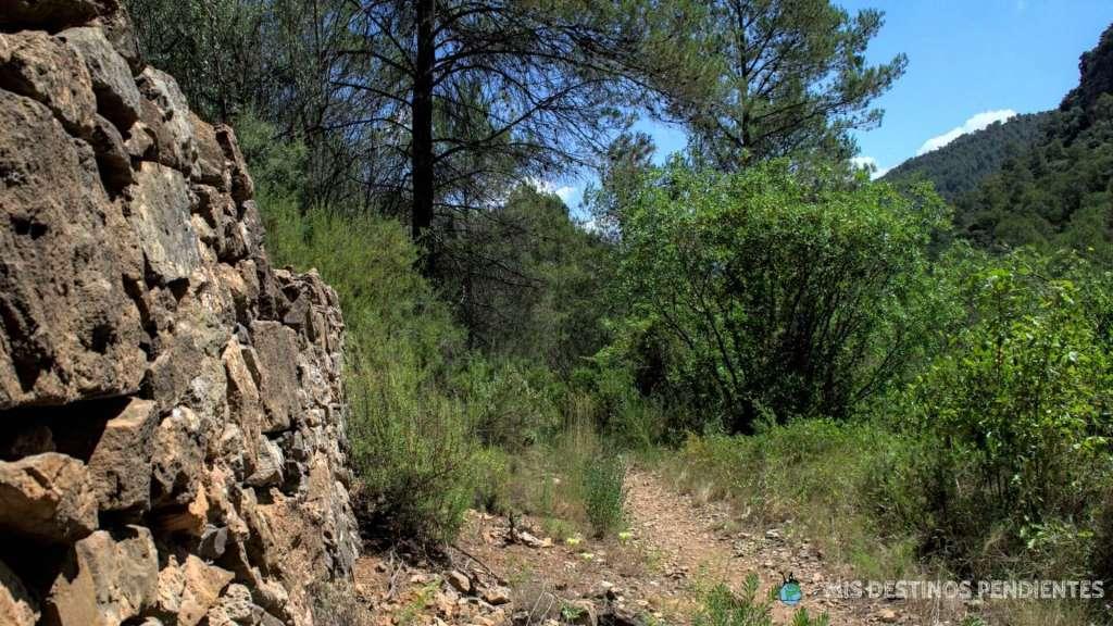 Ruta desde Cirat hasta el Salto de la Novia (Alto Mijares, España)
